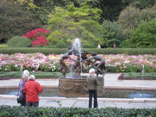 Gardens with fall foliage
